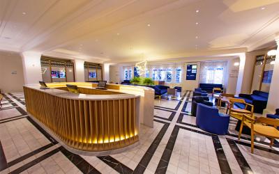 Customer Service Lounge 1