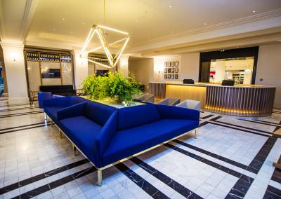 Customer Service Lounge 2